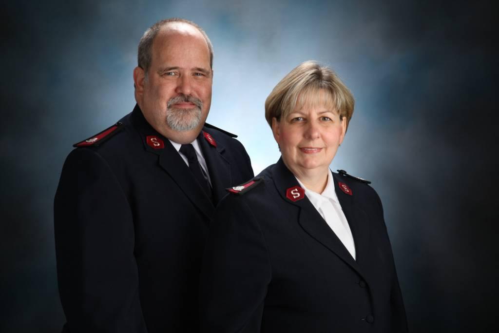 Majors Glen & Carole Caddy
