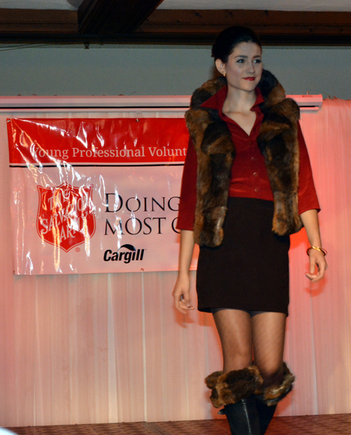SMALL2014 Consignment couture 1 of 8